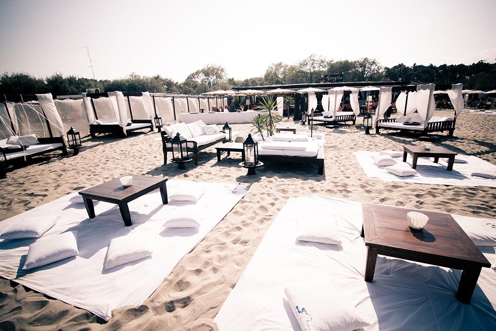 Matrimonio On Spiaggia : Matrimonio sulla spiaggia a marina di ravenna singita miracle beach